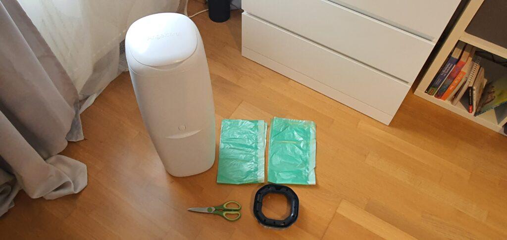 Angelcare Windeleimer mit normalen Müllsäcken: Die Utensilien